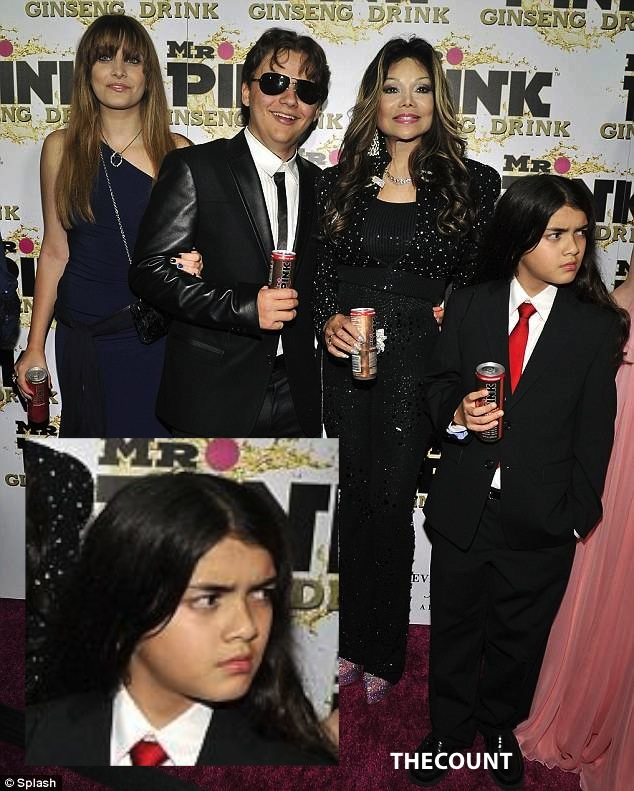 paris prince la toya and blanket on the red carpet BLANKET MAD! Forced By La Toya To Endorse Energy Drink