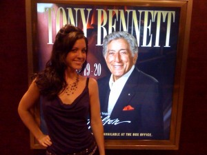 photo 3 300x225 Tony Bennett Says Kiss the Good Life Goodbye to David Letterman at Las Vegas Hilton Concert