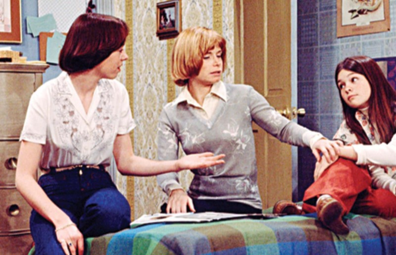 picture of valerie bertinelli bonnie franklin and mackenzie phillips in one day at a time large picture 800x515 Was Bonnie Franklin A Smoker?