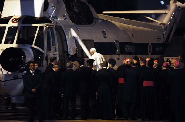 pope amazing helicopter