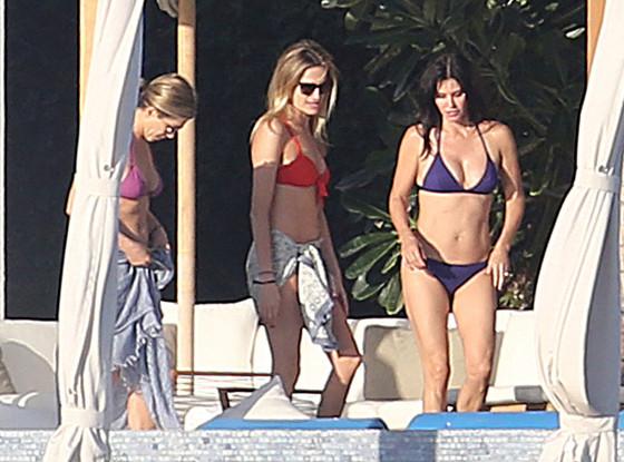 rachel monica bikini The One Where RACHEL AND MONICA Are 40 Something Bikinis