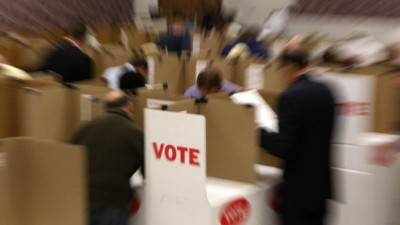 republican 10 percent lead early voting