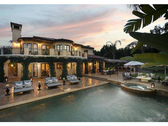 slide 332663 3307124 free 11 Khloe Lamar Odom LOVE NEST Hits The Market