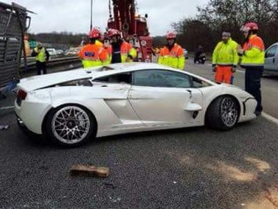 super car crash paris truck 4