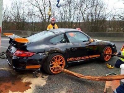 super car crash paris truck 7