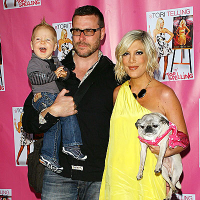 tori-spelling-and-family