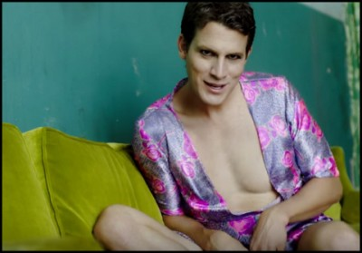 Tosh.0's Daniel Tosh gets prettied up for Good For You video parody