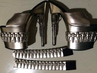 tsa-impide-a-mujer-abordar-avion-con-tacones-de-pistola