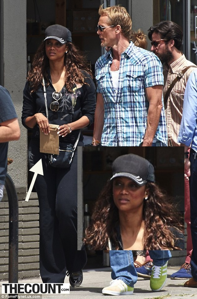 tyra banks buying pot re Tyra Banks Snapped Purchasing MARIJUANA!