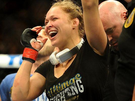 usp mma  ufc 157 rousey vs carmouche 003 4 3 r536 c5342 Meet UFC Hottie Ronda Rousey!