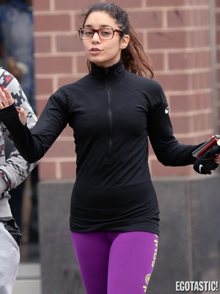 vanessa-hudgens-wears-tights-in-nyc-01-435x580