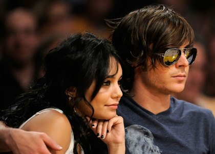 vanessa zac lakers Zac Efron and Girlfriend Vanessa at Lakers Game