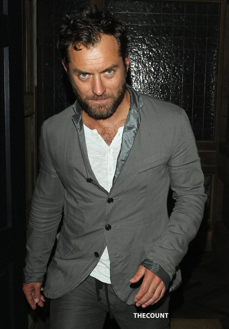 wenn4090415 ALERT: Jude Law BURNING Candle At BOTH Ends (SHOCK PHOTOS)